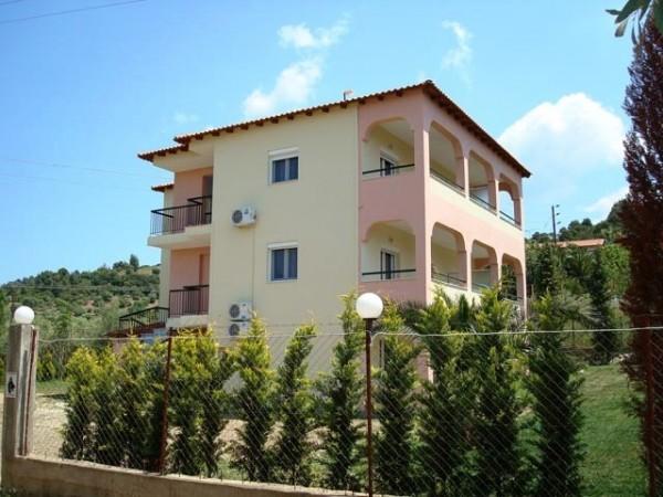Vila Mersinis Neos Marmaras Sitonija Halkidiki Grčka more letovanje smeštaj studio apartmani