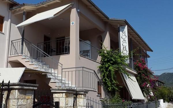 Vila Moschos Sivota smeštaj sobe studio apartman grčka more