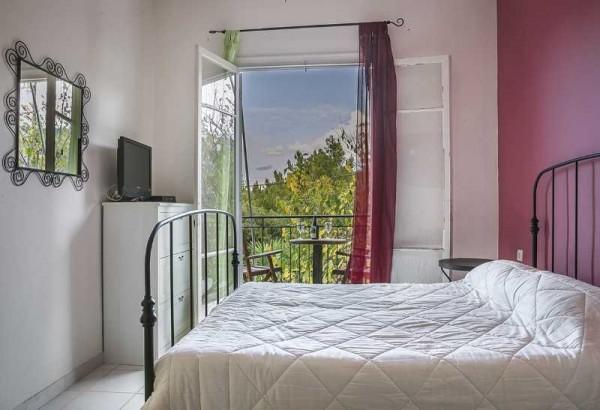 Vila Sirtaki Kefalonija aranžman smeštaj more grčka krevet terasa