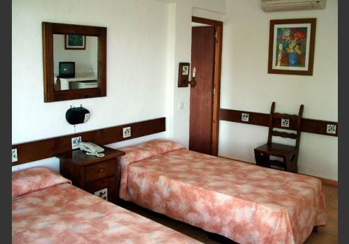 ŠPANIJA IBICA LETOVANJE HOTELI PLAŽE CENE HOTELI
