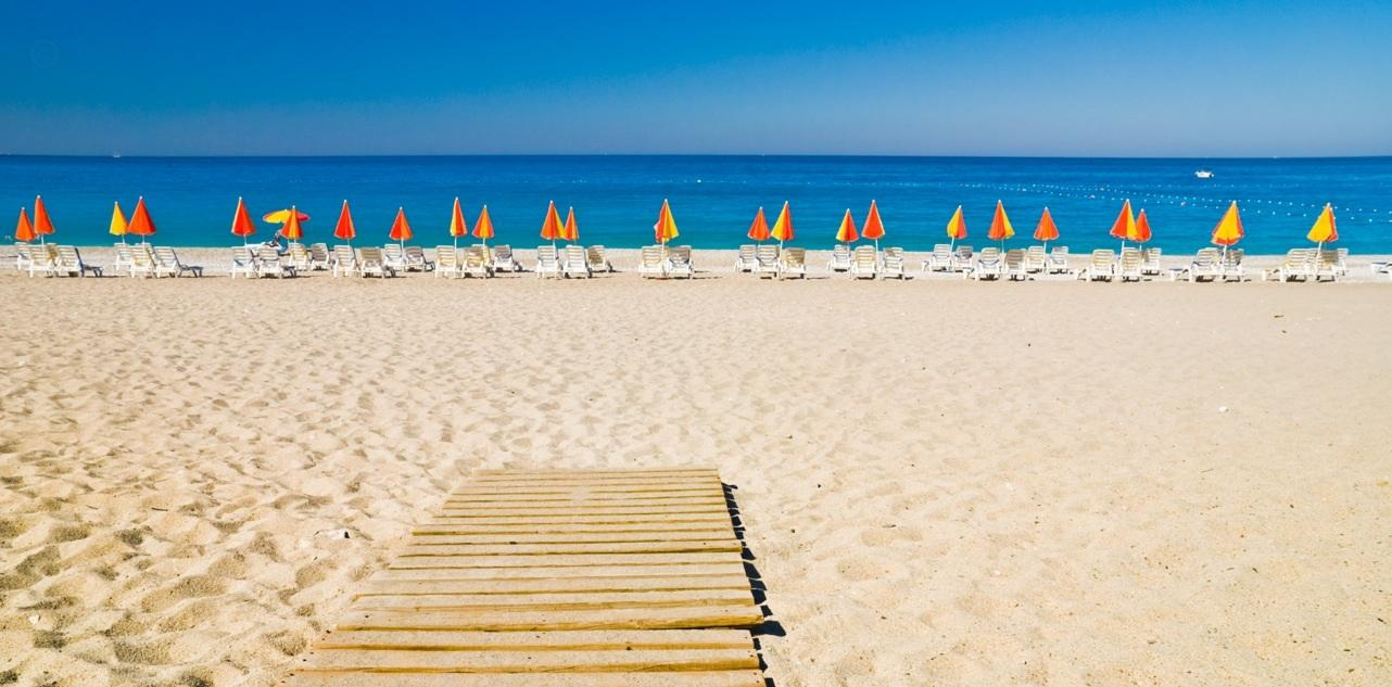 Plaža Lara Antlaija najbolja plaža turska cene hotela